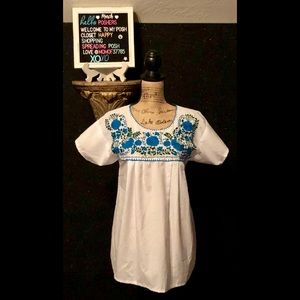 Women's white with blue and green floral Blouse 💕